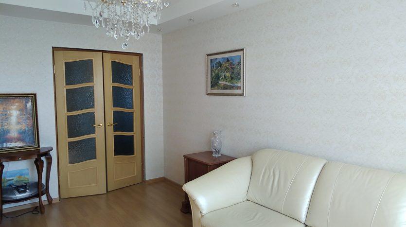 Продается 3 комнатная квартира 75 кв.м. в отличном состоянии.