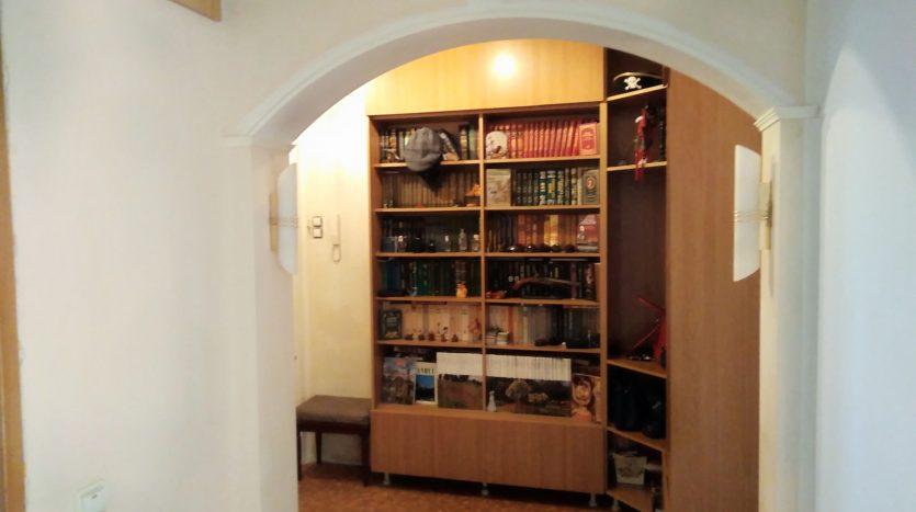 Купить 3 комнатную квартиру в СПб. Невский район.