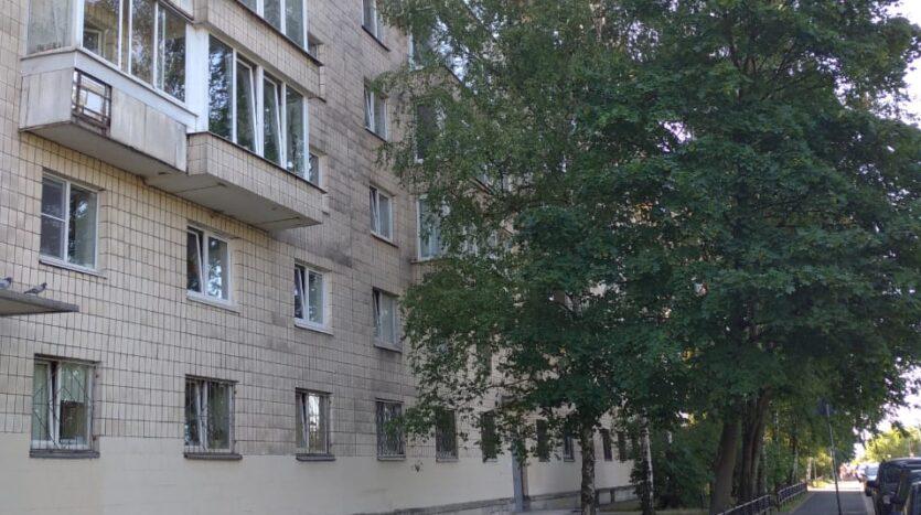 Prodayu-kvartiru-metro-Primorskaya-dom-kirpichnyj